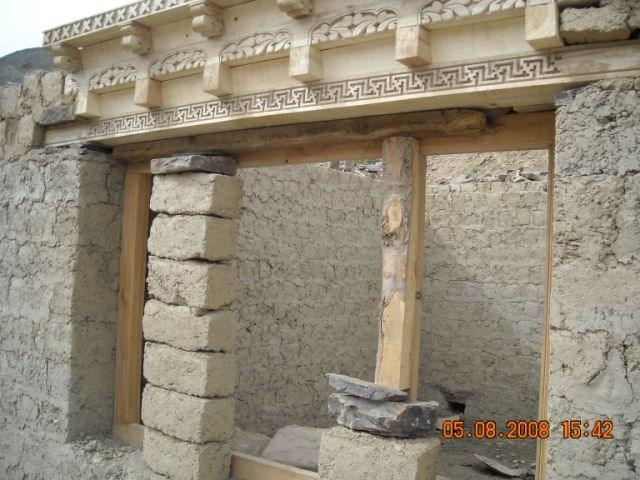06 le linteau sculpt est plac au dessus de la fen tre jpg for Linteau de fenetre